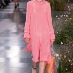 甘くならないオールピンクの攻略法、教えます。|定番ファッショントレンド(流行・モード)|VOGUE_JAPAN